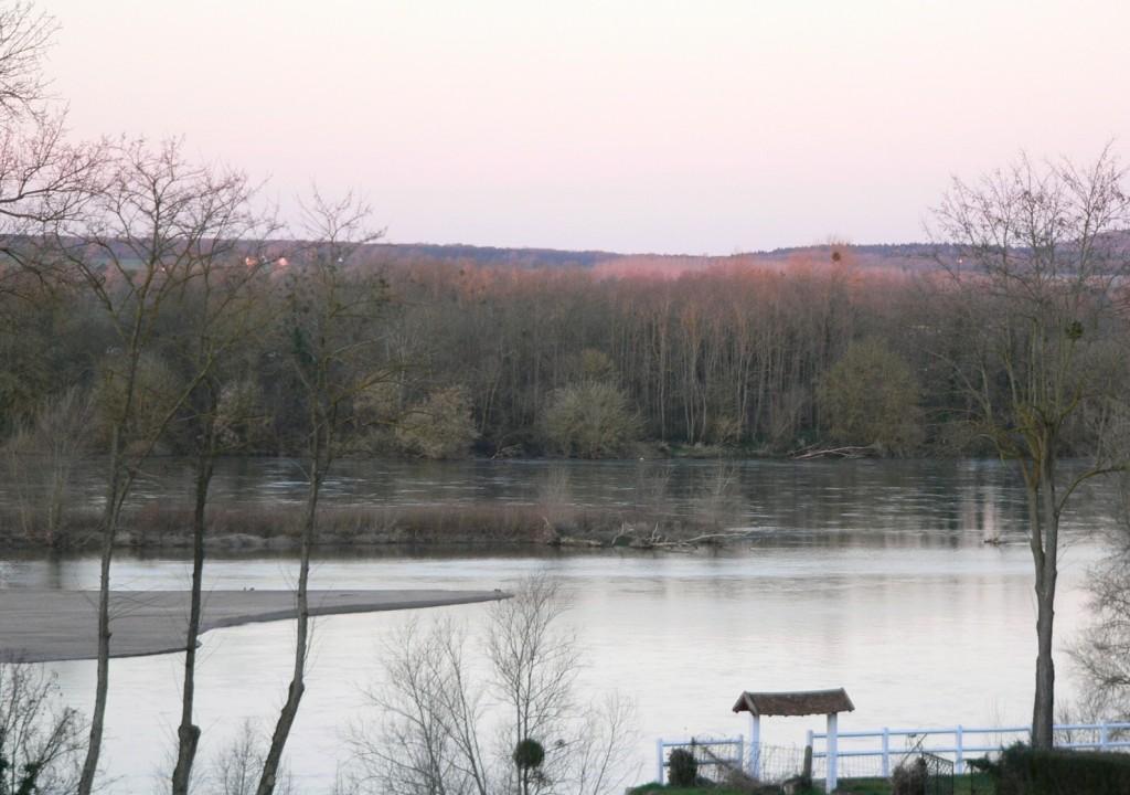 La Loire à Pouilly le 24 fév 2014 prise par Jean-Michel Masson à 07h43